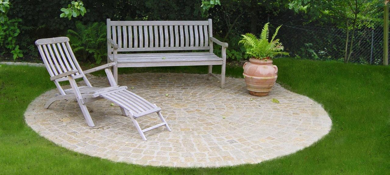 Sitzplatz aus Granit Pflaster
